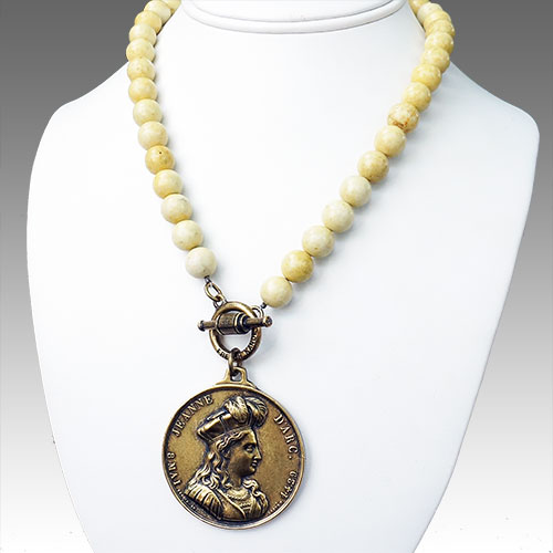 "French Kande 17"" Yellow Fossil Stone w/Medallion Joan JN1673"